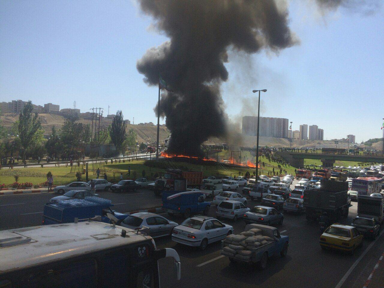 تصاویر تانکر سوخت آتش گرفته در میدان بسیج تبریز