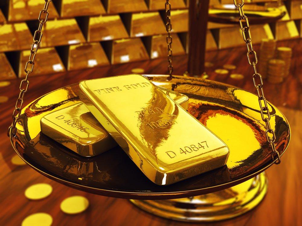 طلای جهانی در مرز ۱۳۰۰ دلار ایستاد