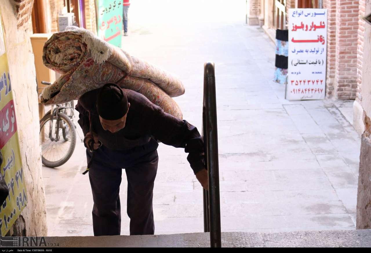 جیبهای خالی باربران و سنگینی بار در بازار تبریز