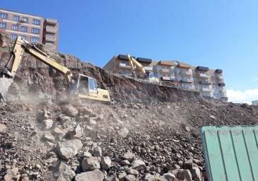 ساکنان حاشیه شهرک ارم در تیررس سنگهای کوه عون بن علی