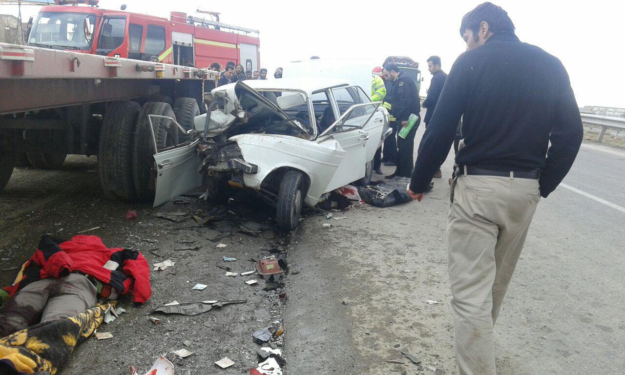 تصادف دلخراش تریلی و پیکان با دو کشته در بناب  + تصاویر